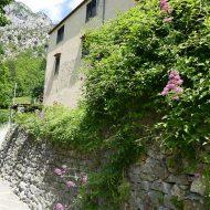 Mur de pierres traditionnel –  Aiglun
