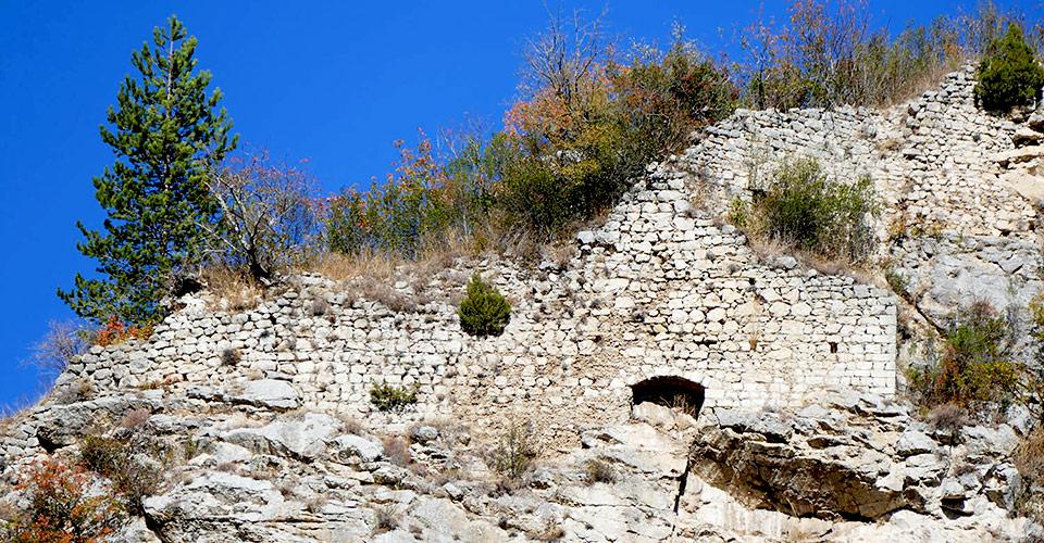 Vestiges du château - Cuebris-06910