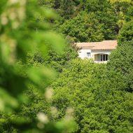 Villa Regain – Maison d'hôtes à Gréolières (06620) – Vue depuis le village – Photo n°10