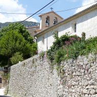 Vue sur l'église –  Aiglun
