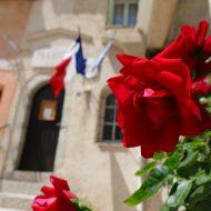 Un village fleuri –  Aiglun