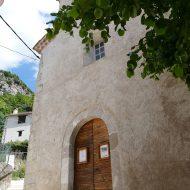 Entrée de l'église -Aiglun